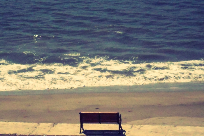 Wordless Wednesday : Sitting alone on the beach